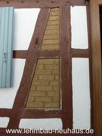 Fachwerk Gefache mit Lehmsteinen ausmauern