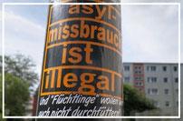 """Berlin-Rudow, Hohenschönhausen, Schöneweide, Schöneberg, Lichtenberg, Schöneweide, Wilmersdorf, Tiergarten - Chronik Straßenaktionen von Irmela Mensah-Schramm """"Hass vernichtet""""."""