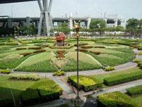 Hausschrein San Phra Phun auf den Flughafen Suvarmabhumi, Thailand
