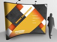 présentation d'un stand parapluie  imprimé par RBS86, à Poitiers