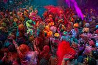 La fête des couleurs, Holi, est l'occasion de vivre un grand moment de partage festif avec les Indiens.