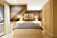 Haupt-Schlafraum mit Duschbad en-suite