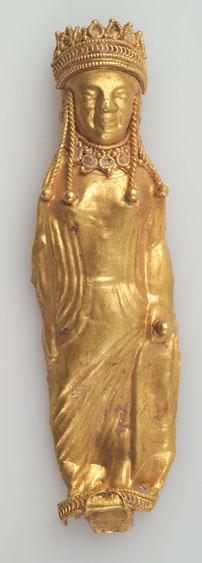 Kleine Figur aus getriebenem Goldblech nach Art  griechischer Koren.