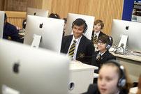 """FSW-geschweißte Gehäuse der Apple iMac Computer 21.5"""" EMC 2544 des Uxbridge High School Academy Trust"""