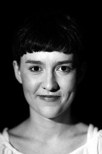 Theresa Noll (Bauernmädchen/Fernsehansagerin/Wills Sohn)
