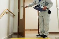 防火対象物定期点検の対象となる避難経路のドア扉周辺