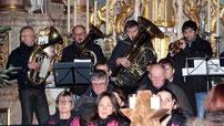 Zahlreiche Musiker beteiligten sich am Konzert in Ast.