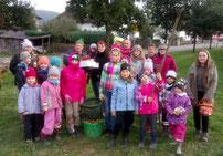 Die Kinder hatten großen Spaß bei der Kartoffelernte.