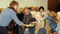 Die Senioren konnten verschiedene Brotsorten probieren.