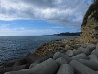 小串漁港 沖側堤防・付け根付近の写真