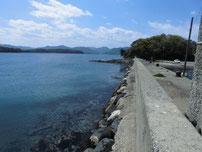 越ケ浜漁港 右側の波止・付け根付近の写真