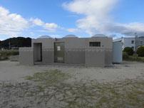 小串漁港 トイレの写真