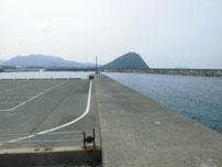 萩商港 駐車場横護岸の写真