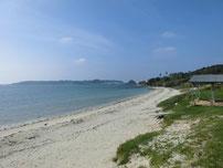 赤田海水浴場 右側の岩場の写真