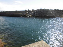 二見漁港 内波止・先端付近の写真