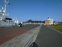 海峡ドラマシップ 停泊中の船の写真