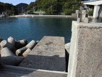 青海島大橋下周辺 本州側 水門付近の写真