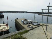 矢玉漁港 港内・左側の写真