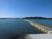 高泊漁港 波止の写真