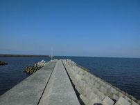 西八田漁港 波止の写真