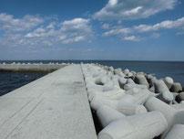苅田南防波堤 波止手前側の写真2