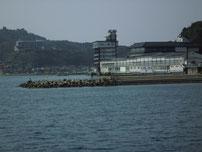 マリーナ萩 右側の波止の写真