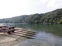 粟野漁港 波止の奥側 の写真