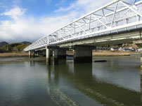 木屋川 国道の橋桁 減水時の写真