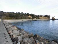本山岬 護岸の写真