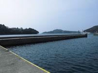 マリーナ萩 左側波止 先端付近の写真
