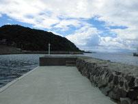 吉見漁港 内波止の写真
