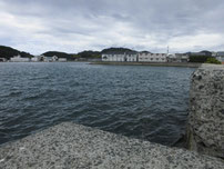 吉見漁港 西田川河口側の写真