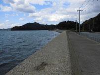 野波瀬漁港 室生の波止の護岸
