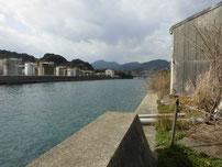 恒見漁港 対岸側の写真