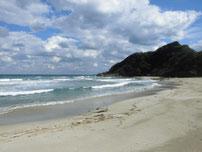 二位の浜海水浴場 右側の写真