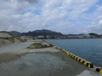 恒見漁港 護岸の写真