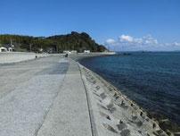 青浜海岸 護岸の写真