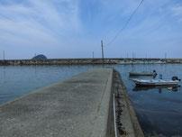 宇田港 港内中央の内波止の写真