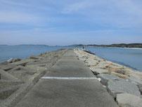 土井ヶ浜 左側の波止の写真