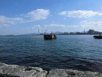 軍艦波止 沖の構築物 の写真