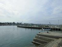 吉富漁港 漁港内の波止の写真