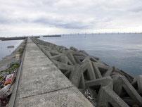 岬漁港 Y字型の波止 付け根付近の写真