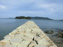 いがみ海浜公園 左側の波止
