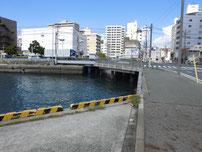 岬之町 交差点付近の写真