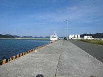 仙崎漁港 左側岸壁 の写真