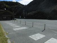 二位の浜海水浴場 駐車場の写真