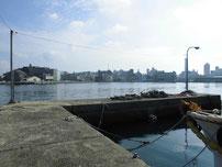 海士郷 左側の波止 の写真