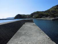 奈古漁港 内波止先端付近の写真