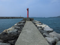 萩商港 乗り場側波止の写真