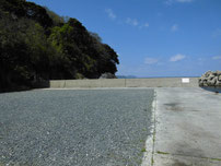 椿東 中小畑の護岸 駐車可能箇所の写真